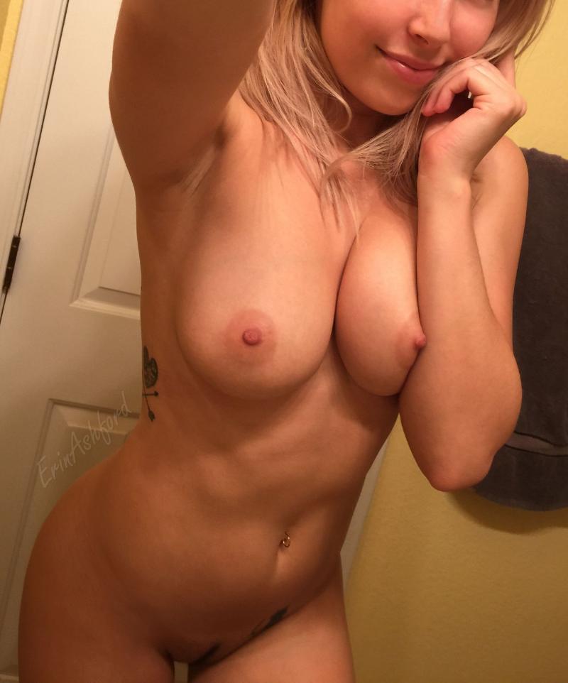 ✅✅✅ 24 y/r old woman looking 4 sex minded men.!✅✅✅