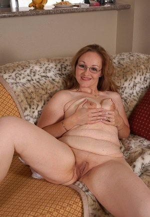 ?❤️❤️?❤️Discreet older MoM But Unhappy With Husband ??? ? ?