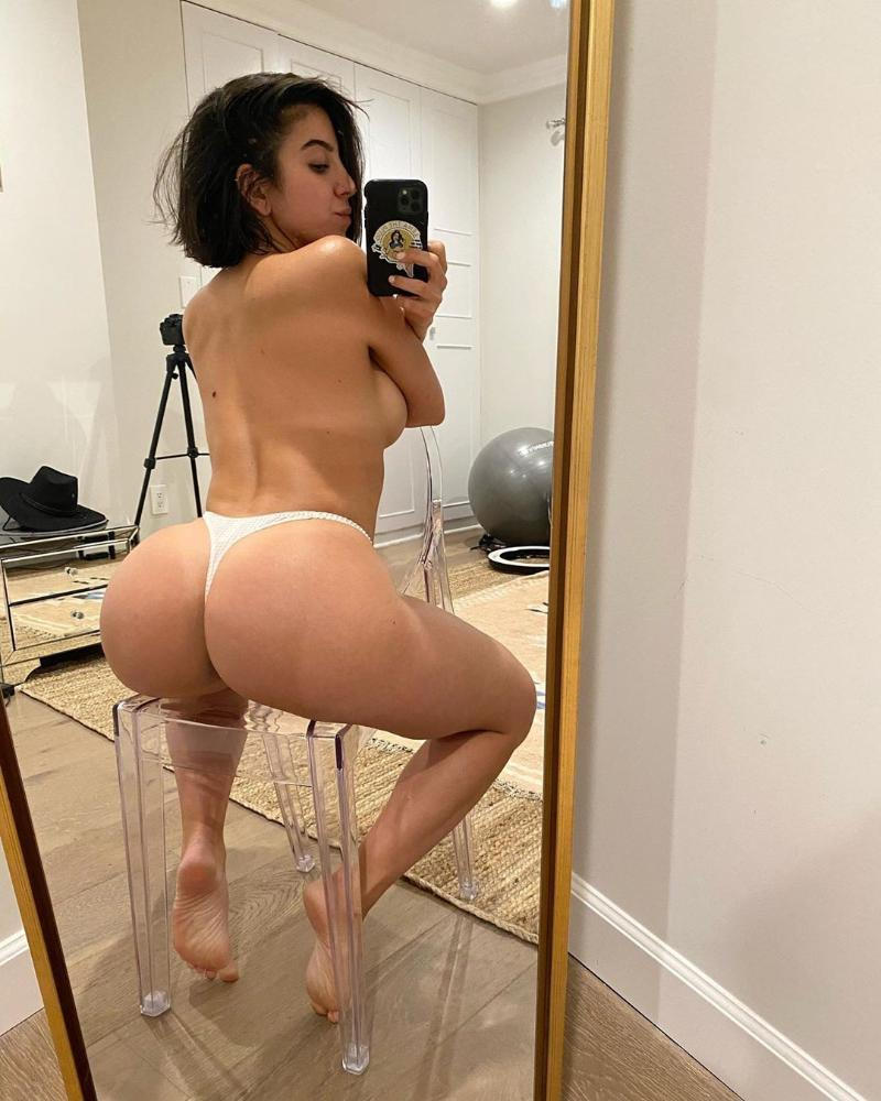 I'm ready and down to fuck with different styles ..promise you gonna enjoy me:)