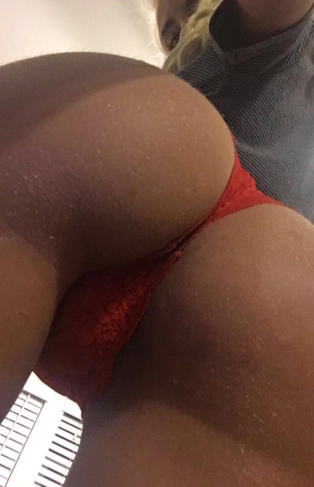 Sexy hook ups 🍆🍑