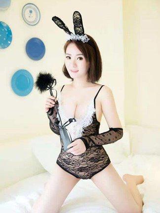 Sexy uni student yumi