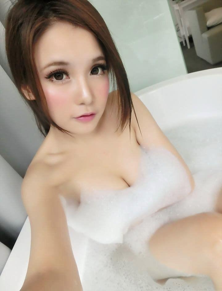 Sexy elegant 22 years old girl who you've been waiting to play with. Bubbly , Outgoing and always