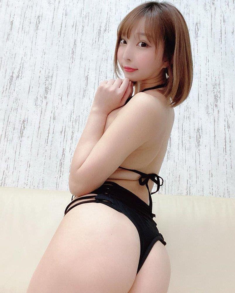 Sexy Asian Girl--Dior
