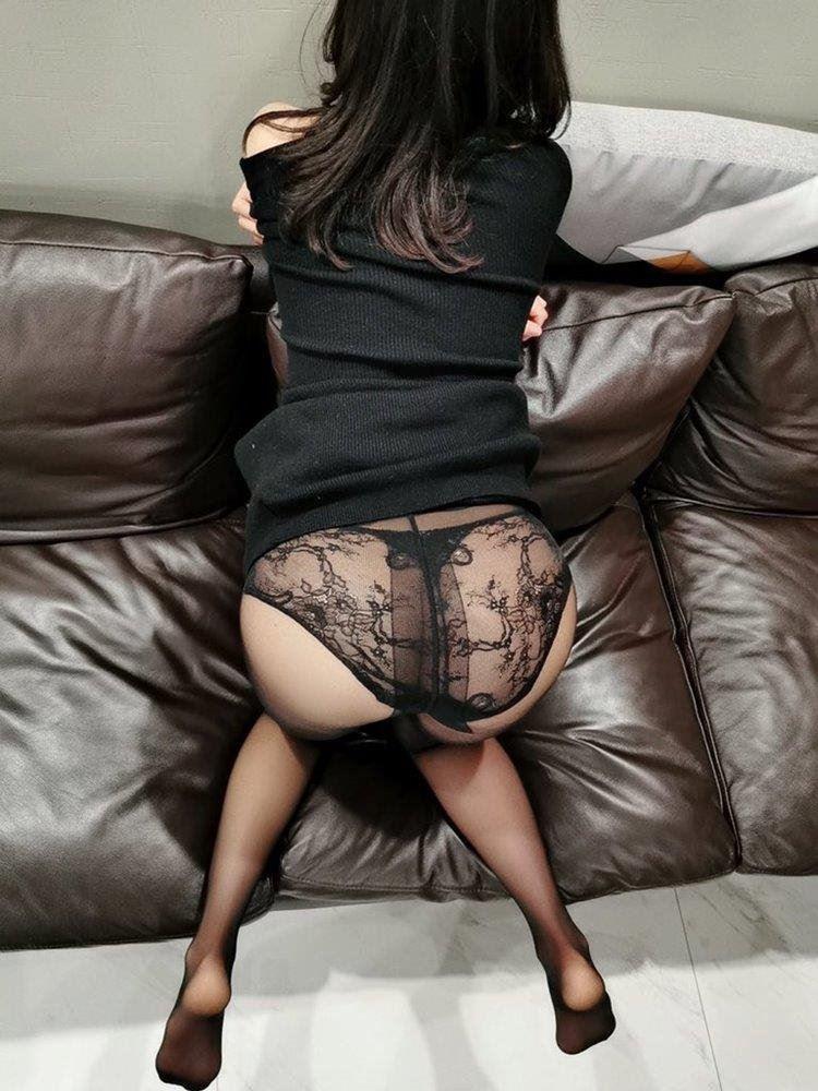 sexy Asian Milf. 0412288665