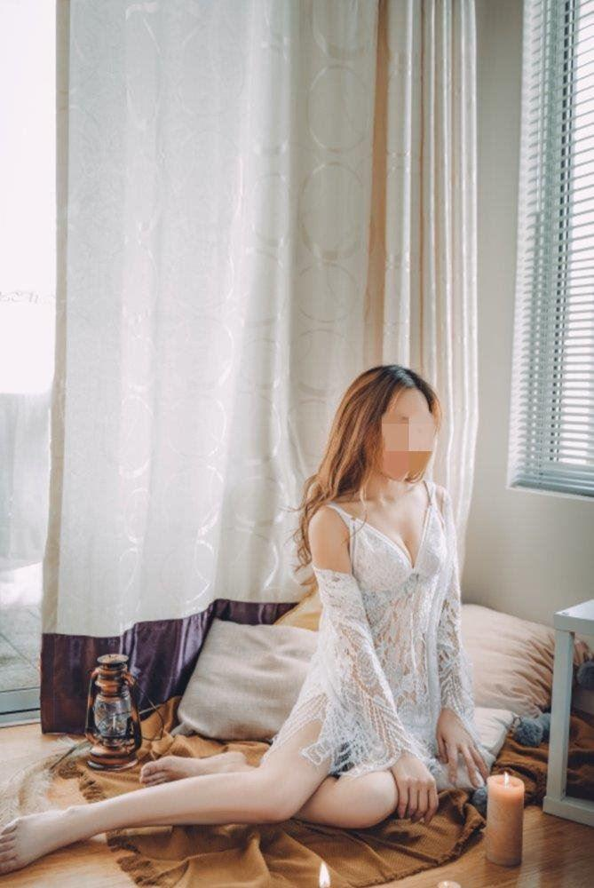 [VIP] a petite innocent student looking for extra income
