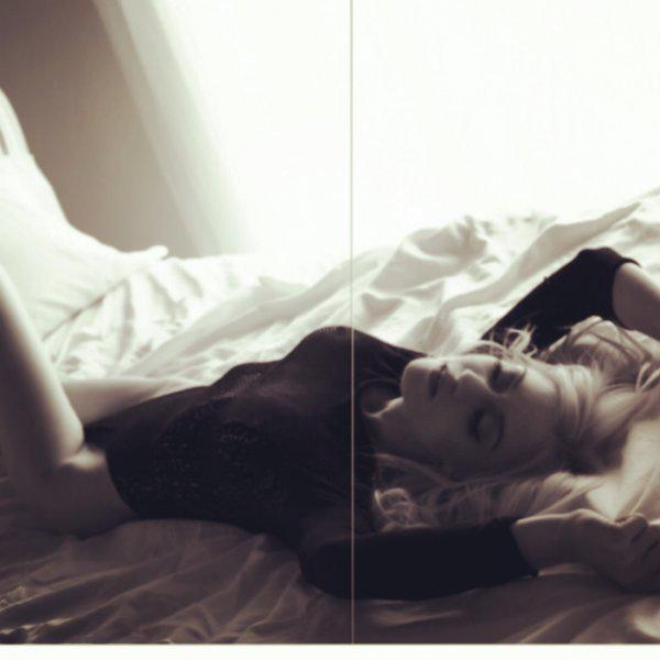 Bombshell cover model! | Girlfriend Experience
