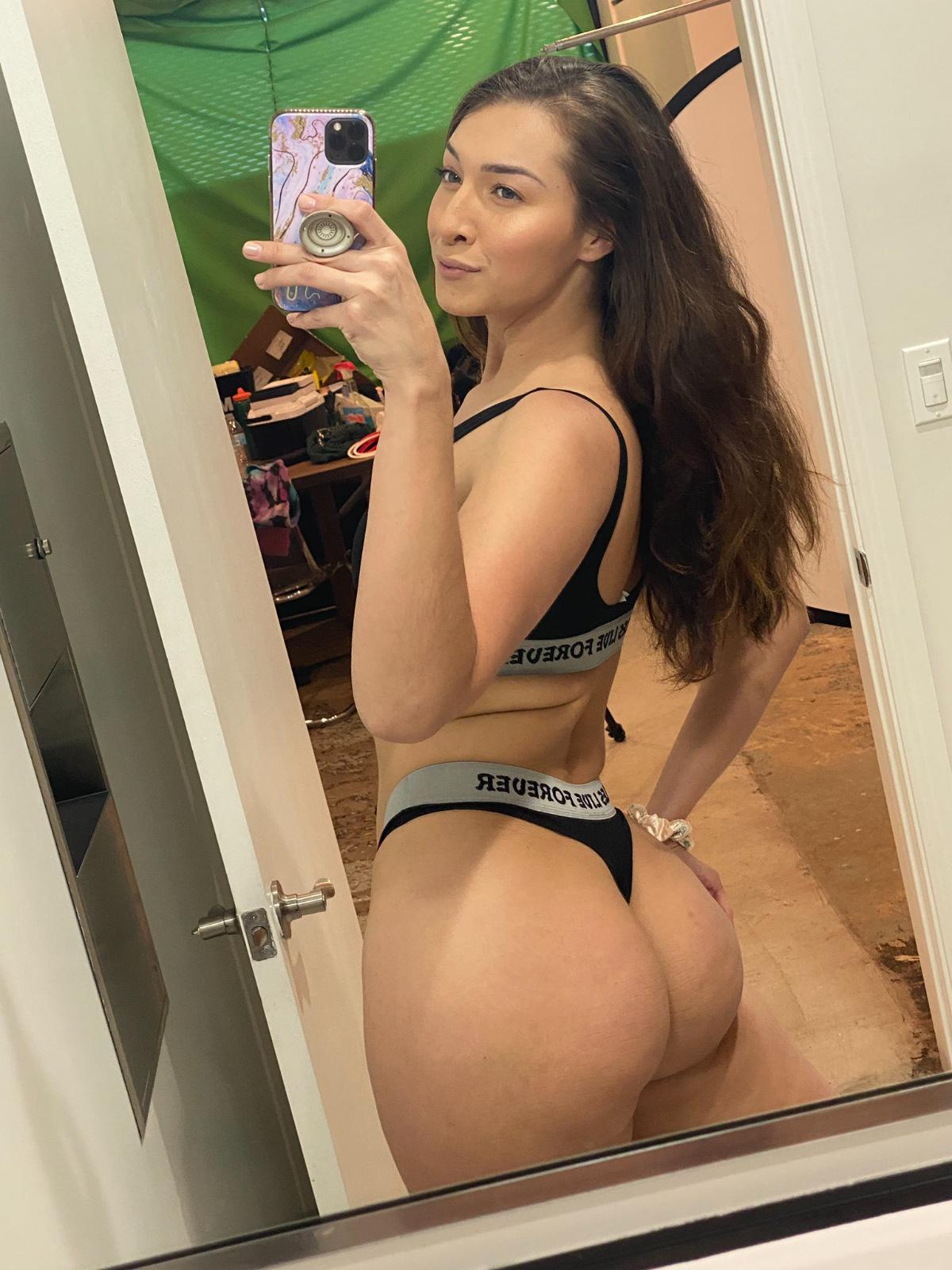 Down to fuck😋💦🍑