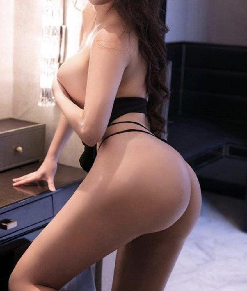 ⭐️🔥 💯High quality girl Doll 🔥⭐️ Little petite🎊with GFE