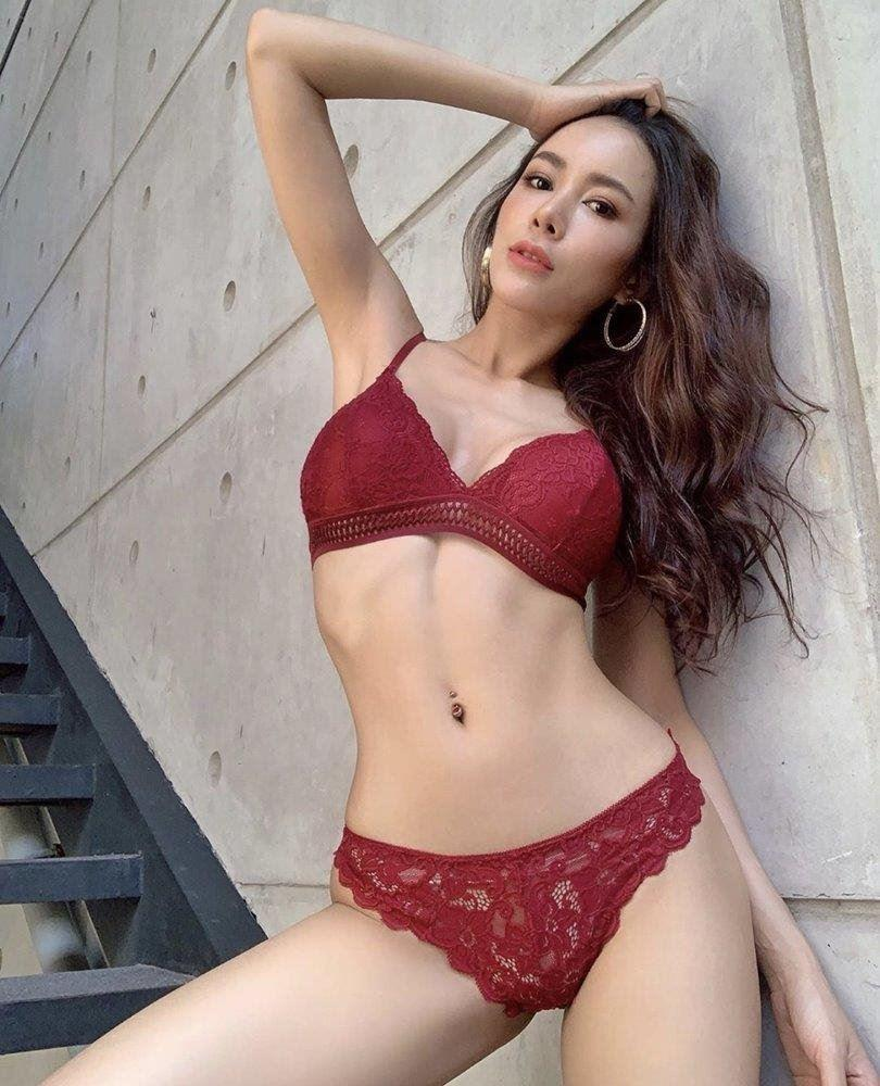 Gina from Korea young and busty D cup, incall outcall anal backdoor overnight available