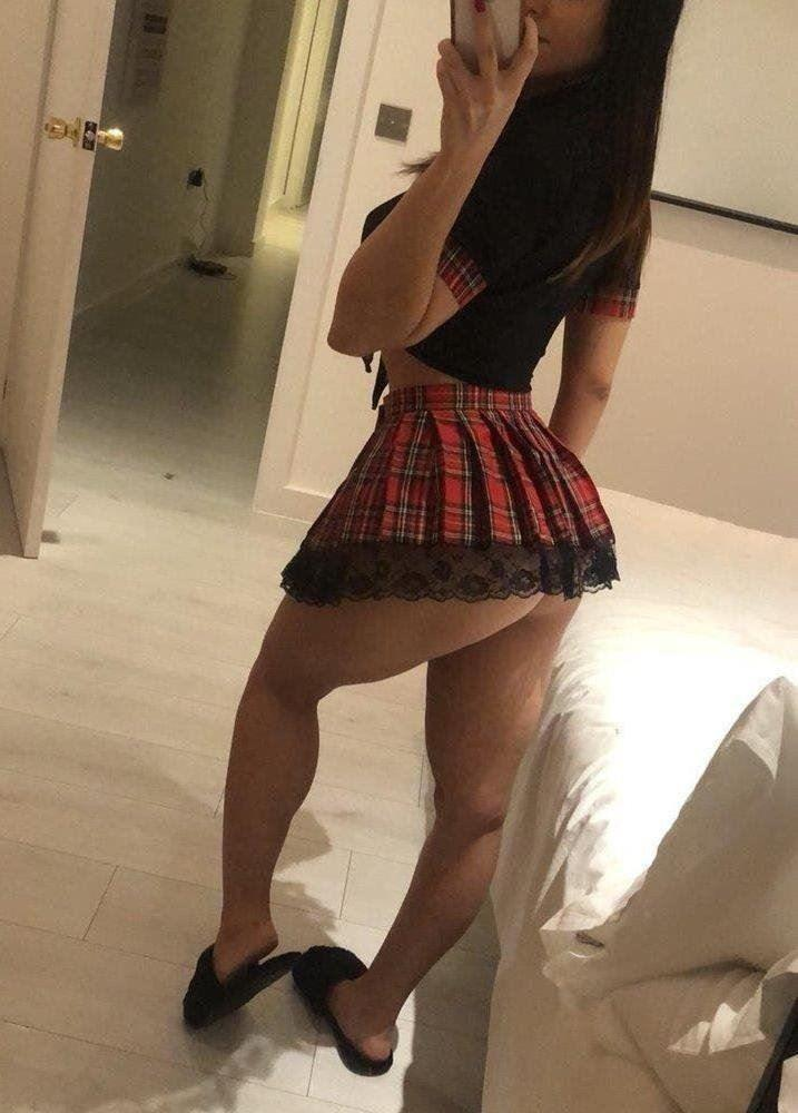 0403 988 608 🥃 Full service for Incall and Outcall 🥃 🌹 Natural big tits & Ass 🔴 Welcome and meet y