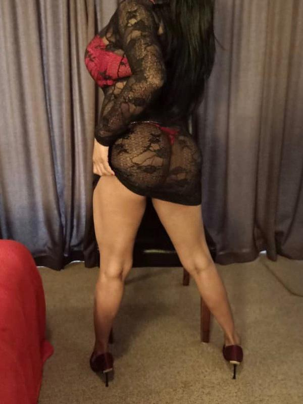 SHALINIWorking from Hamilton! Text to book xx