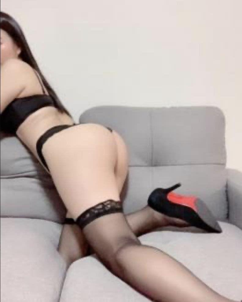 🌟thai girl is here waiting for you to put in🌟