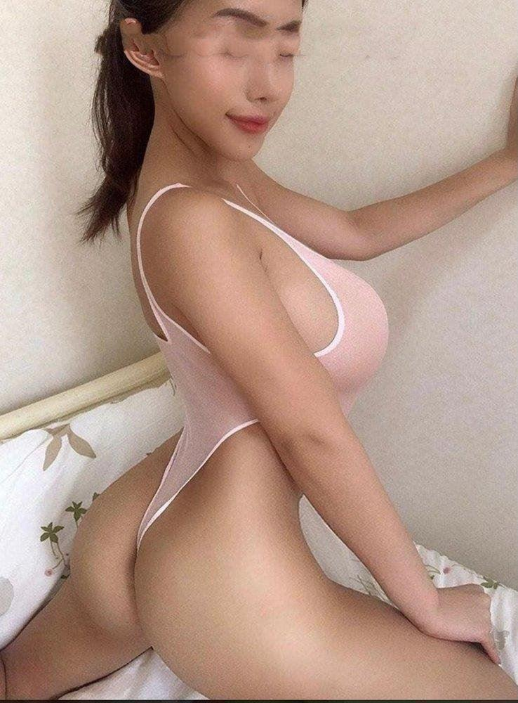 Busty D cup Super Young girl Party Time 35DD