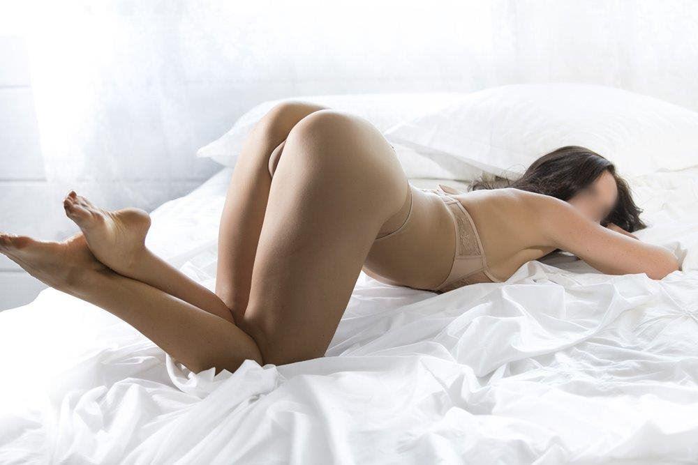 Fulfill Your Erotic Dreams Escort Danielle D'Curve