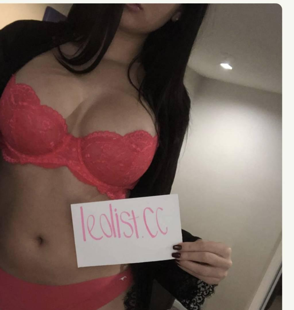 in markham lilte brunette come get naugthy