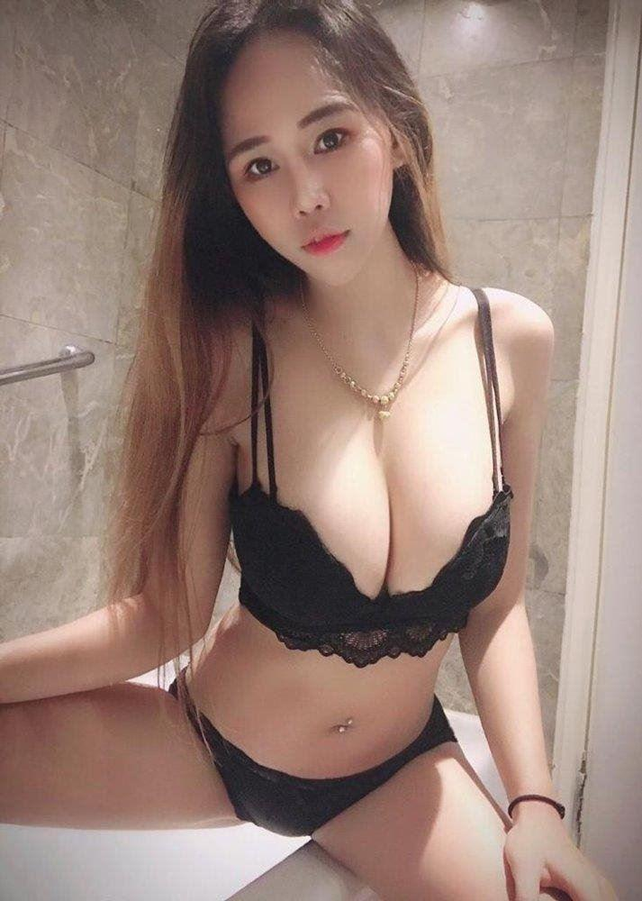 Beautiful And Busty 36DD Cambodia Squirting Queen Janice