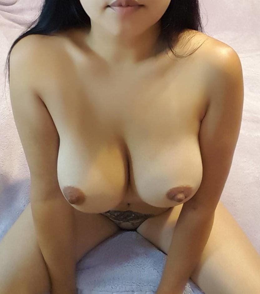STUNNING TITS n Body > Jakarta Indonesia's Best KEPT SECRET - A Cheeky Devlish Personality - A Pas