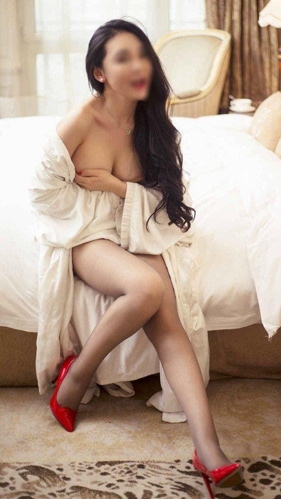 Sexy little horny 27yo Myanmar girl Jessica in Brisbane CBD