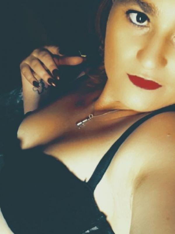 RubyWet horny and waiting for you outcalls