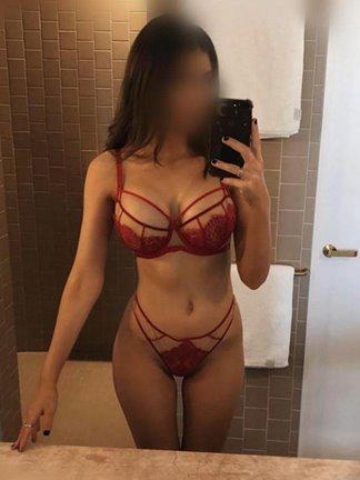 Attractive Wild & Passionate GFE the right girl for you Sexy