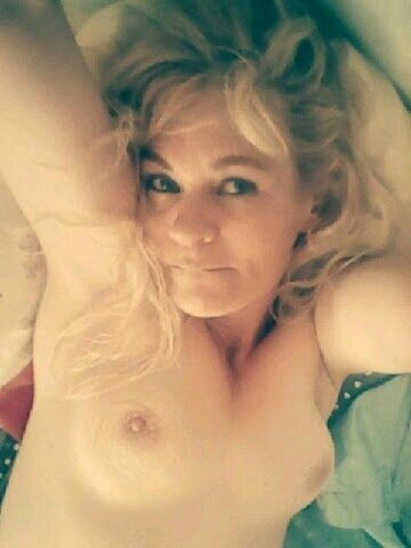 """AVAILABLE..SEXY.HORNY.MILF"""" FUXK ME """" """"$50 **SPECIAL**SUK n FUXK Service."""