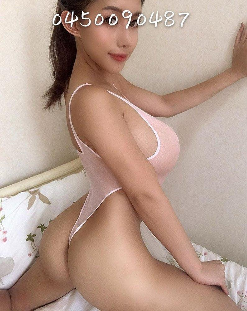 24/7 NEW GIRL young beautiful nat big boobs DD cup