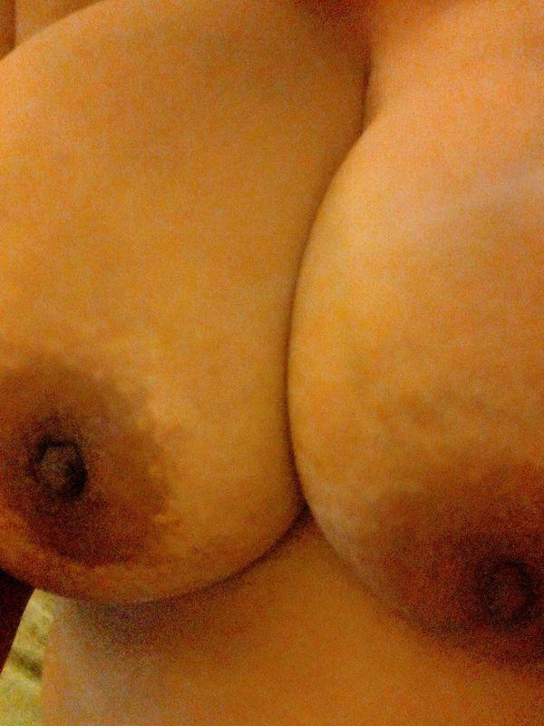 KarmenWho wants to be naughty with a horny natural naughty milf??