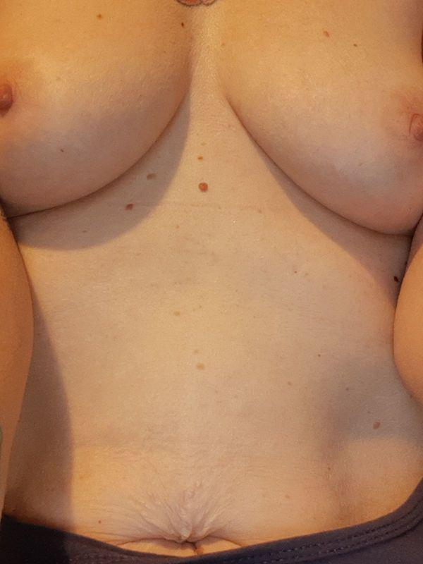 ?I AIM TO PLEASE AND TEASE?Discount on 30 mins come and play