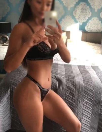 A cutie pie is here for you, come and cum