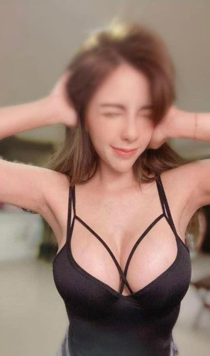 Stunning 36EE Busty Emily 100 Real Real 22yo,