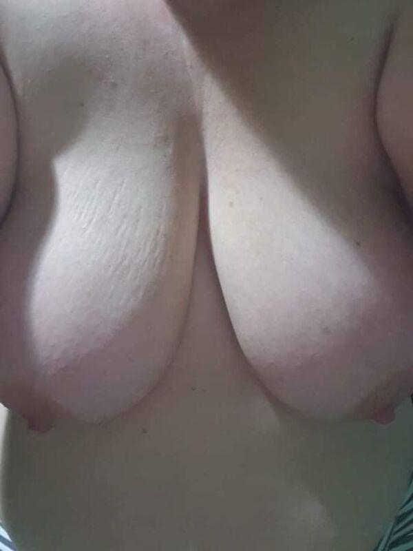 BustymyaBUSTY AND LOVES TO SQUIRT 24/7
