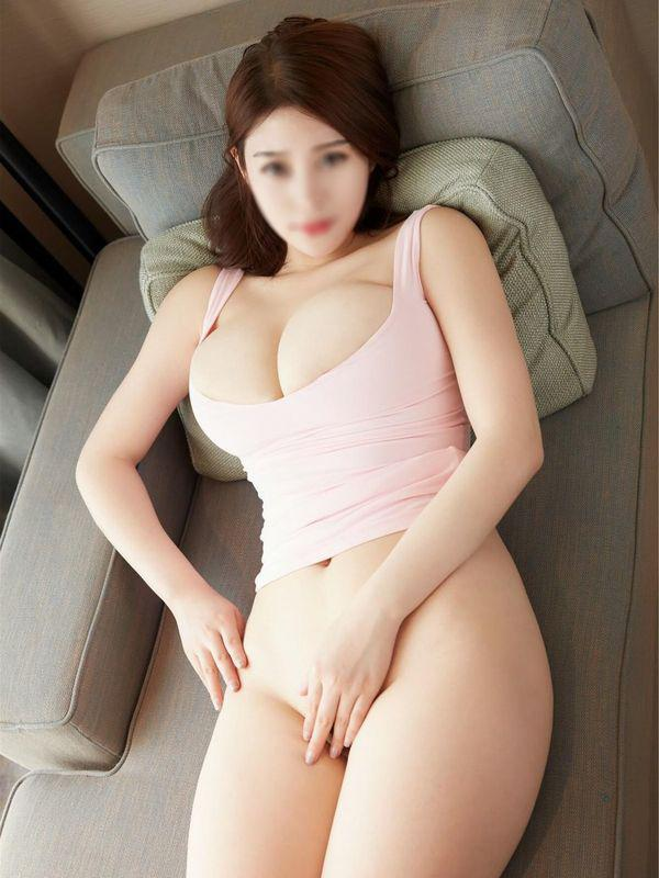 NaNaGorgeous Asian babe