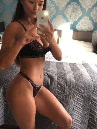 Curvy horny Wendy juicy wet pussy passionate service