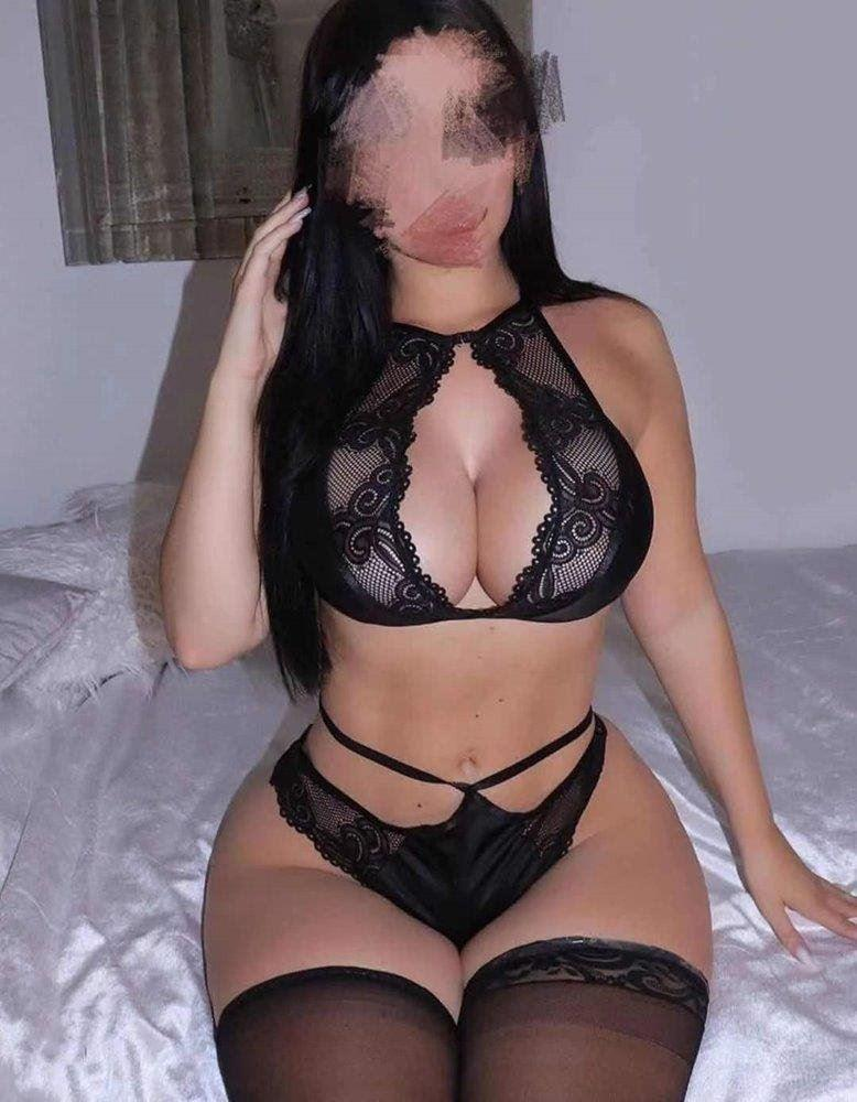 Hottest mexico girl here for you