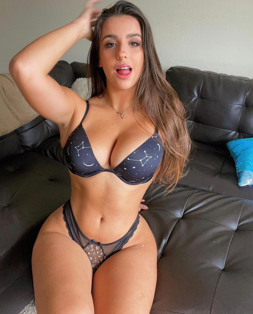 Sexy Aubrie - MarsillPost