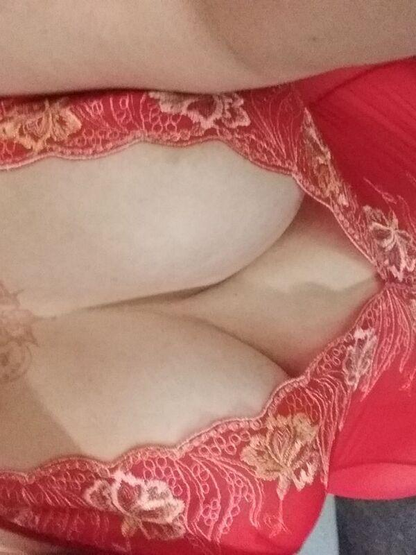 Cookie the MILFTouring MILF in Wellington