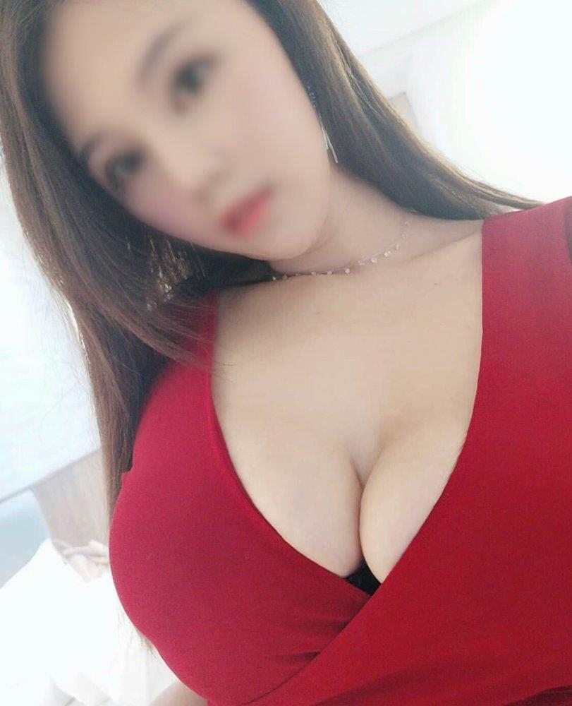 2 Singapore ladies 💋Available now 💋E cup natural sexy available until late 💗Have Double ladies ser