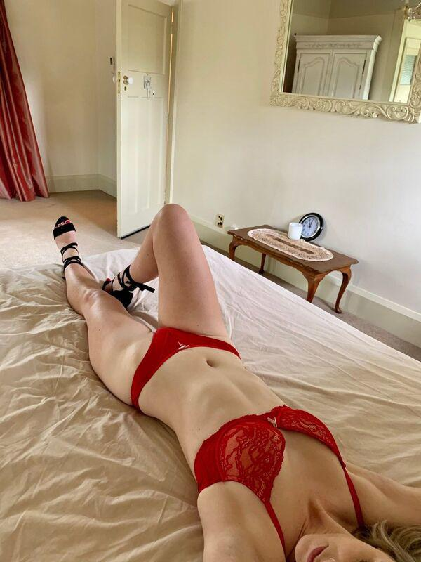ClaireAvailable from 5pm today