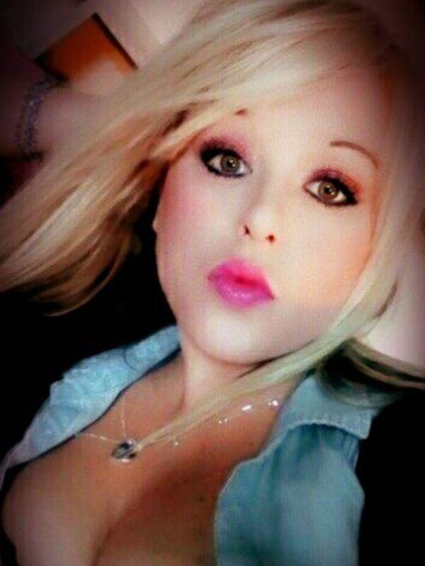 AmberSexy blonde
