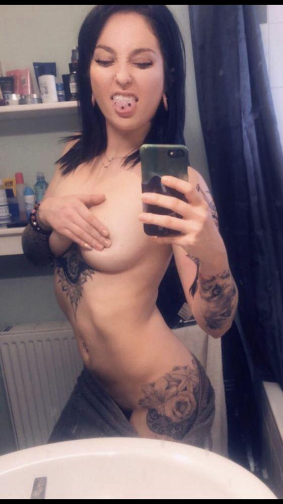 hot and Sexy tattoo girl