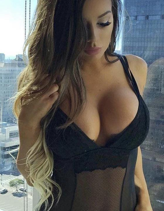 open-minded and cheeky kind of girl. I have beautiful smooth soft skin and tan.