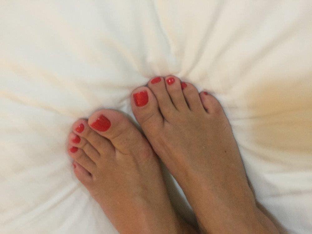 ELLEN 🇧🇷 Brazilian Brunette 💦💦 Very tight and Naughty ... 🔥🔥