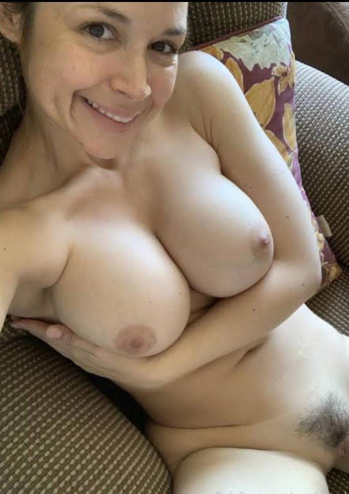 offer INCALL, OUT CALL, Car Call, Anal sex,Cowgirl,Hottest Doggy,69,Hottest Ride