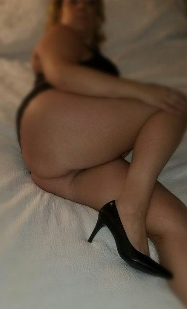 Bombshell Playmate in Town (206) 557-3181