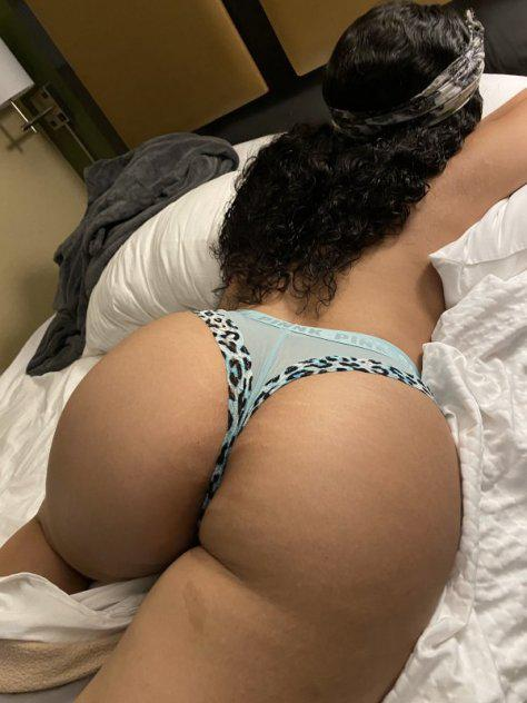 Gorgeous playmate hosting DC & surrounding Cities