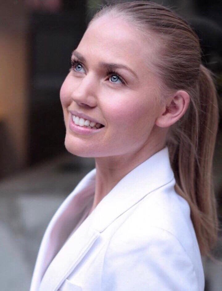 Ava Sinclair - Your Angelic Blonde Girlfriend
