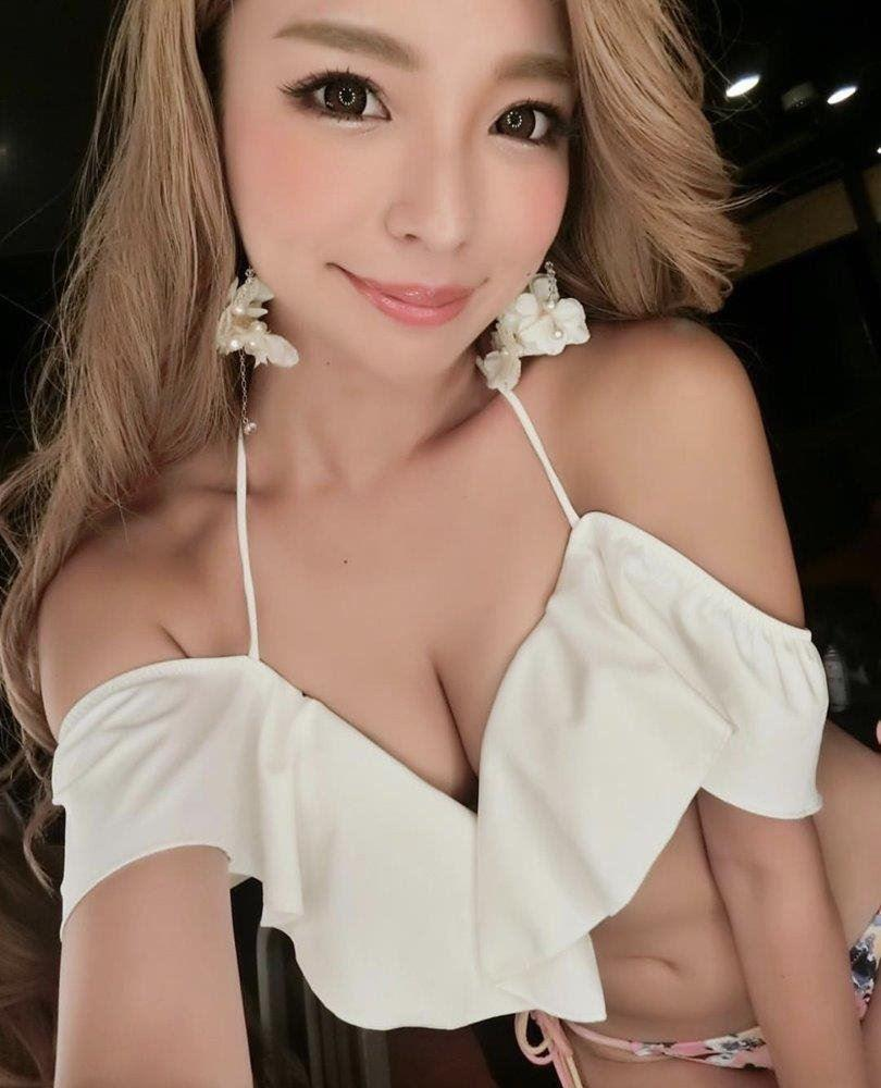 Don't miss out Delight 20 years old. Blessed with a sexy petite feminine body with smooth skin loo