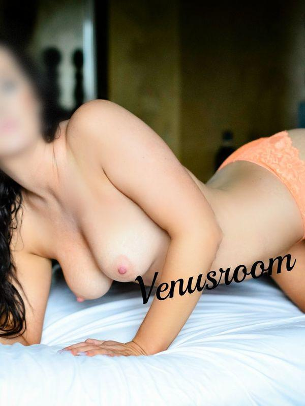 Possum VenusFull Girlfriend experience included