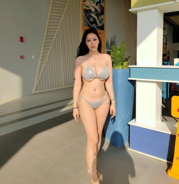 Mia Oriental for cam sex, explicit videos and many more!