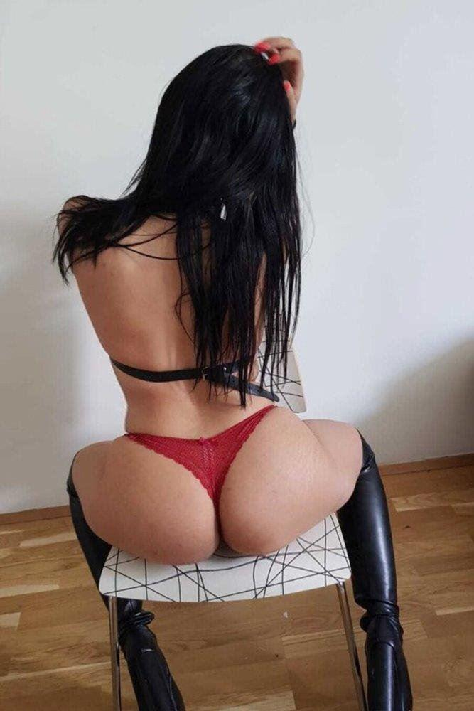 New arrival 🍑 juice 💦Extra 👄Horny Lady 20 yo ✅